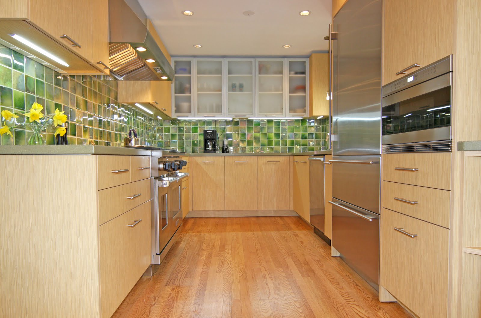 Galley kitchen new design ideas kitchen remodeler for Modern green kitchen designs