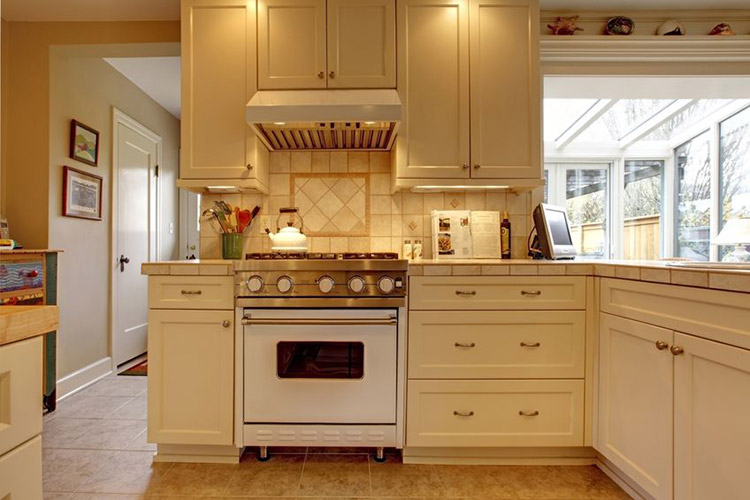 Traditional kitchen remodeling kitchen remodeler for Traditional kitchen